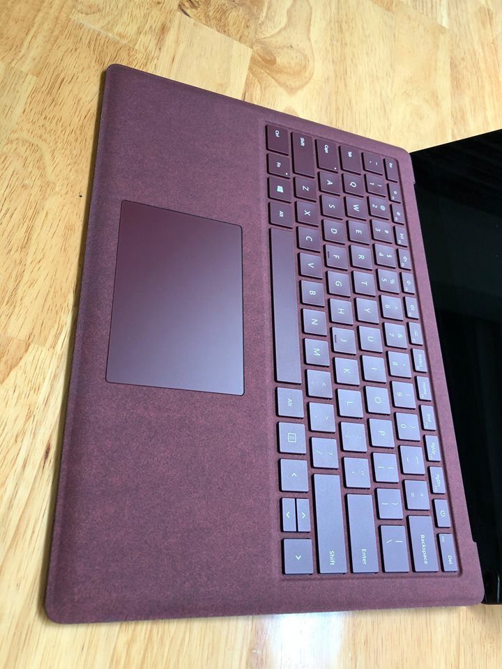 Surface laptop core i5 7200u, 8G, 256G, 13,5in UHD