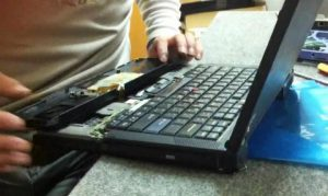 Cẩn thận khi mua laptop cũ cực rẻ