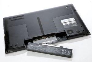 Những nguy cơ tiềm ẩn khi dùng pin laptop kém chất lượng